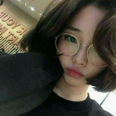 ✿ Ulzzang Pics。 in 2020 Ulzzang Korean Girl, Cute Korean Girl, Cute Asian Girls, Cute Girls, Ulzzang Short Hair, Uzzlang Girl, Korean Aesthetic, Aesthetic Girl, Dream Pop