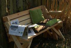 BATIKO ist die Gartentisch-Gartenbank-Kombination aus Naturholz geölt - Gartenmöbel mit Pfiff Folding Picnic Table Bench, Diy Picnic Table, Picnic Table Plans, Outdoor Chairs, Outdoor Furniture, Outdoor Decor, Woodworking Projects Diy, Diy Projects, Wooden Bench Plans
