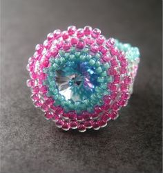 Beading Tutorial: Peyote Stitch Bezel