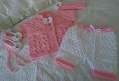 Precioso tejido a mano conjunto de bebé