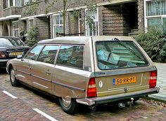 cx 2400 estate - We loved ours, even though the kids got teased at school for having a car :-)) Retro Cars, Vintage Cars, Shooting Brake, Citroen Ds, Station Wagon, Peugeot, Cars And Motorcycles, Ghostbusters Car, Cool Cars