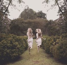 I adore my beautiful sisters! (@unico1313 and @miriamarielle) I love you, girls…