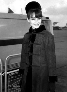 """The actress Audrey Hepburn photographed during her arrival at the Heathrow Airport in London (England) from Zurich (Switzerland), for the premiere of her latest film """"My Fair Lady"""", at the Warner Theatre. London (England), January 19, 1965."""