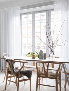 T.D.C | Light + airy dining room