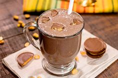 What if I were say that you could make a peanut butter cup milkshake with less than 5 grams of net carbs? Well here it is! This recipes makes enough for 2 thick chocolaty peanut Keto Smoothie Recipes, Ketogenic Recipes, Keto Recipes, Protein Recipes, Keto Foods, Ketogenic Diet, Free Recipes, Peanut Butter Shake, Peanut Butter Smoothie