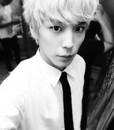 Himchan black and white suit and tie *melts into a small puddle of liquid* so hot!