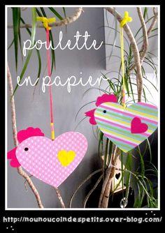 .. Déco de pâques Poulette en papier ..