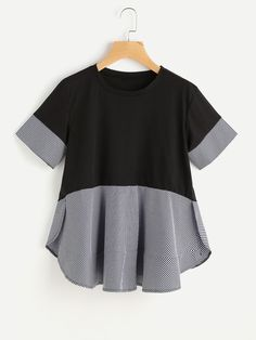 SheIn offers Contrast Gingham Slit Side Curved Hem Tee & more to fit your fashionable needs. Catwalk Design, Western Dresses For Women, Boys Clothes Style, Baby Girl Tops, Casual Outfits, Fashion Outfits, Fashion Clothes, Indian Designer Outfits, Cute Blouses
