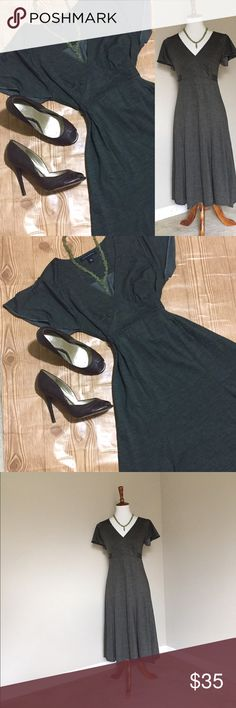 """🆕 Banana Republic Tie Back Mid Calf Flowy Dress This super comfy dress is a perfect combo of comfy and cute.✨ Complete the outfit with the green beaded choker necklace from my closet for a discount! ✨. Approx Measurements: Bust 36"""" Waist 29"""" Hips 36"""" Length 41.5 Banana Republic Dresses Midi"""