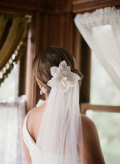 I would want a veil like this... but with my hair down!