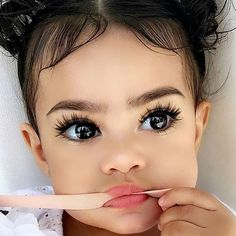 21 Stunning Makeup Looks for Green Eyes Cute Mixed Babies, Cute Black Babies, Cute Little Baby, Cute Baby Girl, Baby Love, Cute Babies, Pretty Kids, Pretty Baby, Beautiful Black Babies