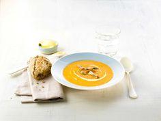 Gulrotsuppe er en suppe med mye smak. I tillegg er den sunn, fyldig og fargerik!