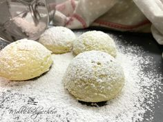 Weird Food, Cannoli, I Foods, Biscuits, Cheesecake, Food And Drink, Favorite Recipes, Cookies, Desserts
