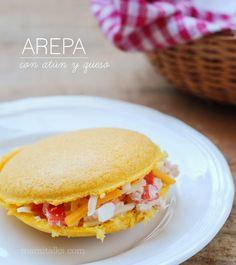 Mami Talks™: Arepa con atún y queso - Tuna Salad Arepas