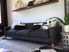 """Estudio V on Instagram: """"Cuando el negro es protagonista.. El sillón Thames se viste de negro, en este caso con una tela de tapicería jaspeado que hace que el color…"""" Couch, Furniture, Home Decor, Instagram, Rugs, Interior Design, Studio, Blanco Y Negro, Home"""