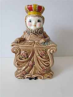 RARE Vintage 1950's Ceramic Doll Queen in Dress Crown Figural Cookie Jar Sweet!