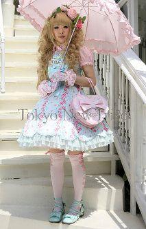 Lolita Girl: Street Fashion in Tokyo, Japan