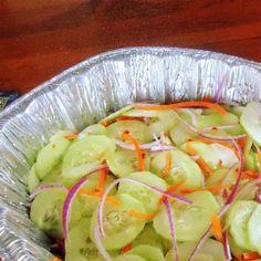 Uma mordida Perfeita: Dois Lados Verão - salada de pepino Asian + repolho, abacaxi e salada de amendoim