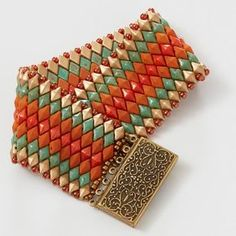 Shae Wilhite, designer of the quick and easy Moroccan Sunset Bracelet is a simple peyote-stitched pattern that results in a stunning cuff of DiamonDuos.