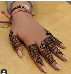 Image may contain: one or more people Latest Henna Designs, Indian Mehndi Designs, Mehndi Designs 2018, Mehndi Designs For Girls, Stylish Mehndi Designs, Mehndi Designs For Beginners, Mehndi Design Pictures, Mehndi Designs For Fingers, Beautiful Mehndi Design