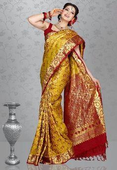 kerala wedding saree Latest Silk Sarees, Indian Silk Sarees, Kerala Wedding Saree, Saree Wedding, Wedding Dresses, Bollywood Saree, Bollywood Actress, Indian Bridal Hairstyles, Silk Saree Blouse Designs