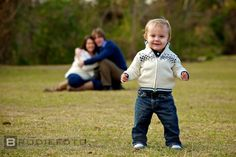 cute family of 3 Autumn Photography, Camera Photography, Family Photography, Photography Ideas, Cute Family, Fall Family, Family Pictures, Picture Poses, Picture Ideas