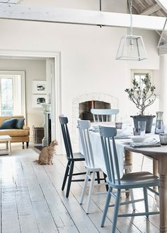 Bright lights create an upbeat vibe and work well in kitchens and bathrooms. Rustic Kitchen Design, Farmhouse Style Kitchen, Rustic Style, Modern Rustic, Dining Tables, Dining Area, Dining Room, Scandinavian Kitchen, Interior Design Tips