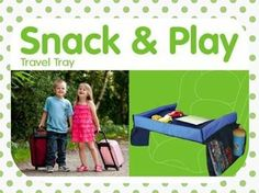 Snack & Play è un pratico vassoio da viaggio che si adatta facilmente ad ogni tipo di seggiolino auto, passeggino o sedile di aereo...per giocare, disegnare, leggere o fare uno spuntino.