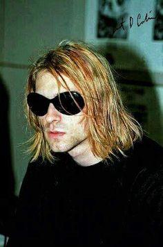 """August 1993 Kurt Cobain photographed by Youri Lenquette Seattle Washington USA Kurt Cobain Photos, Nirvana Kurt Cobain, Blues Rock, Rock And Roll, Kurt And Courtney, Donald Cobain, Smells Like Teen Spirit, Foo Fighters, Michael Clifford"