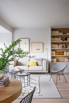 Natural materials and smell of spring: bright apartment in Madrid | PUFIK. Beautiful Interiors. Online Magazine