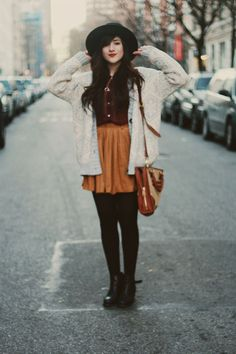 Good nursing outfit - button up shirt with skirt and leggings