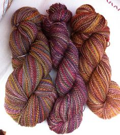 Paint Spin Knit blog:  handspun yarns from my handpainted rovings