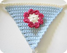 Crochet bunting and flower tutorial by Pink Milk