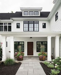 Modern Farmhouse Exterior Designs Ideas 33