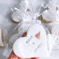 Wedding Favour Biscuits, Wedding Favour Cookies, Cookie Favors, Cookie Gifts, Personalised Biscuits, Personalized Cookies, Personalized Wedding Favors, Wedding Name, Wedding Place Cards