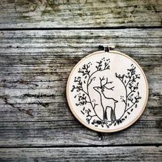 DIY INSTANT DOWNLOAD Hand Embroidery Pattern . Embroidery Hoop Art  . Deer . diy gift Woodland Forest Critters . Nature . Cerf .