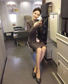 All Korean Drama, Airline Cabin Crew, Airline Uniforms, Female Pilot, Airline Flights, Thing 1, Flight Attendant, Mini Skirts, Women
