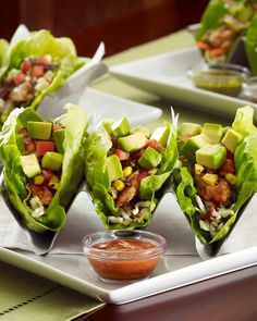 Mediterranean Chicken Lettuce Wrap Tacos - low carb - With only 350 calories, this recipe from The Cheesecake Factory& new SkinnyLicious Menu makes a light and healthy lunch option. Healthy Recipes, Low Carb Recipes, Healthy Snacks, Healthy Eating, Cooking Recipes, Delicious Recipes, Bread Recipes, Healthy Dinners, Cooking Tips