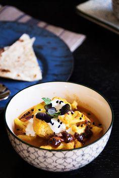 Die Seelenschmeichelei | Food- und Travelblog für Genießer: {Quick Weekday Dinner} Ein easypeasy Blumenkohl Curry mit Kichererbsen