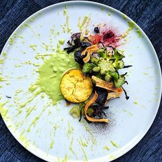 Broccoli • beetroot • salsify • chèvre • red cabbage • leek • peas by @knivkalle #chefsroll #rollwithus