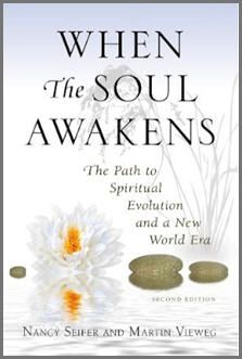 When the Soul Awakens is a groundbreaking book about the evolution of consciousness and the birth of a real new age. Written for contemporary seekers, it illumines the eternal quest for spiritual truth in the context of our time—a time of crisis and paradox. Even as threats to human civilization intensify, a new wave of universal spirituality is quietly breaking upon the shores of our planet.