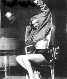 1949_by_earl_moran_knickers_black_02_1