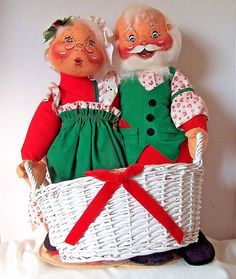 1989 Large Annalee Mobilitee Mr. and Mrs. Santa Claus Dolls holding card basket #AnnaleeMobilitee #Dolls
