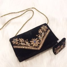 Vintage Cross Body Shoulder Bag This unique vintage beaded detailed purse with matching coin purse is stunning. Snap front closure with gold detailed shoulder strap. Vintage Bags Crossbody Bags