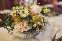 Summer flowers for the table centre, The Mansion House