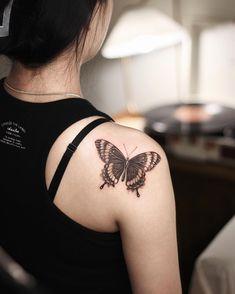 "Banzo 반조 on Instagram: ""@its_banzo Butterfly ✨ (Cover up) 첫 타투를 맡겨주시고 만족해해주셔서 뿌듯하네요. 10월 예약 진행 중입니다. 프로필 오픈링크나 DM으로 문의주세요.…"""