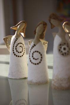 angeles de ceramica de 30 cm .andelinka minislecinka. hermosos !!