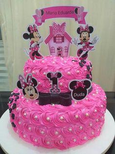bolo da minnie com chantilly/glacê Baby Birthday Cakes, Barbie Birthday, Minnie Birthday, Little Girl Birthday, Minnie Mouse Birthday Decorations, Minnie Mouse Theme Party, Bolo Minnie, Minnie Cake, Minni Mouse Cake