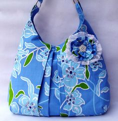 Daffy's Dream: Gul bag. I'd like it better without the flower.