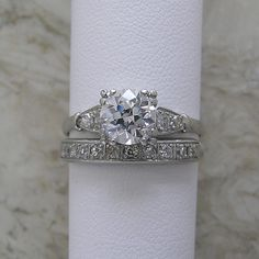 Diamond Rings : Platinum Diamond Antique Engagement Ring by marketplacetreasure. - Buy Me Diamond Platinum Engagement Rings, Antique Engagement Rings, Antique Rings, Antique Jewelry, Solitaire Engagement, Wedding Engagement, Pretty Rings, Beautiful Rings, Square Diamond Rings